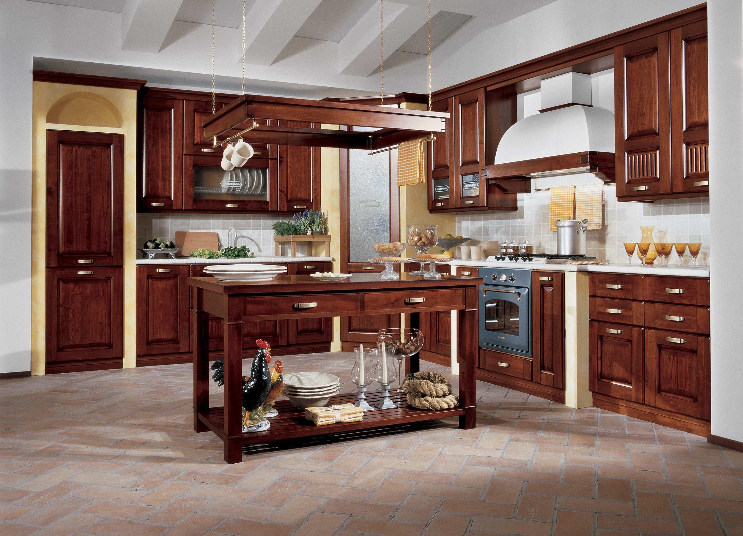 Cucina stosa malaga lorenzelli arredamenti for Cucine classiche